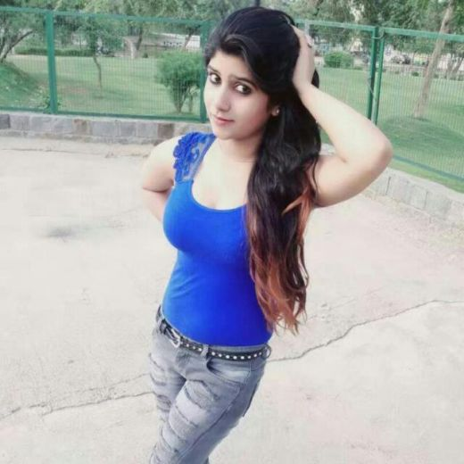 Priymni Mumbai Escorts Model